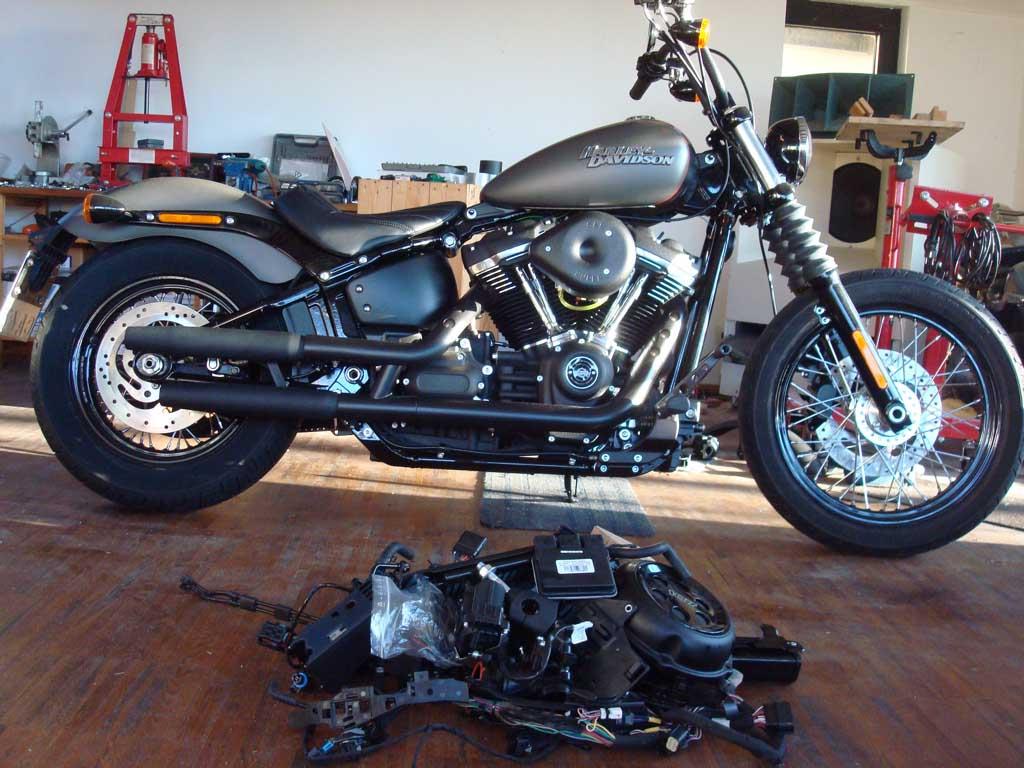 Milwaukee-Eight® upgrade from EFI to carburetor using AMM-P3M8